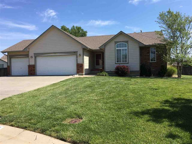 Photo of 810 N Balthrop Circle Wichita, KS 67206