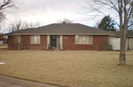 Photo of 1014 Tobias Dr Lyons, KS 67554