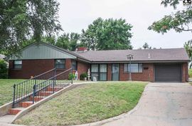 Photo of 589 Belmont St Pratt, KS 67124
