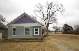 Photo of 424 S 6th St Sterling, KS 67579