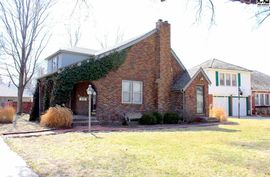 205 Carey Pl Hutchinson, KS 67502,