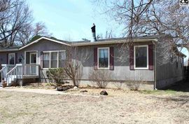Photo of 423 S Broadway Ave Sterling, KS 67579-2319
