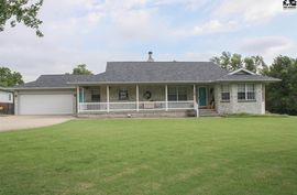 Photo of 128 Belmont Rd Pratt, KS 67124