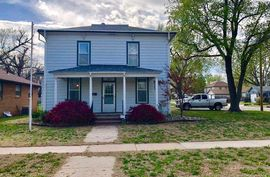 523 N Oak St McPherson, KS 67460,