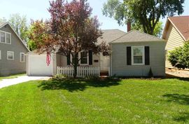 Photo of 417 E 16th Ave Hutchinson, KS 67501