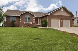 3201 Harvard Pl Hutchinson, KS 67502,