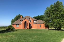 7809 St Andrews Dr Hutchinson, KS 67502,