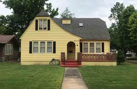 Photo of 311 Crescent Blvd Hutchinson, KS 67502