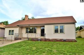 816 S East Ave Lyons, KS 67554,