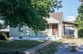 Photo of 615 Larimer St Pratt, KS 67124