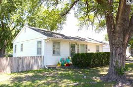 Photo of 904 W 20th Ave Hutchinson, KS 67502