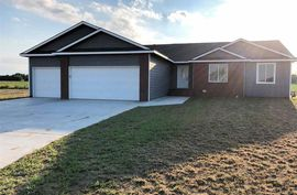 20 Bluestem Dr South Hutchinson, KS 67505,