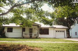 Photo of 714 Spruce St Halstead, KS 67056