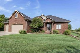 Photo of 4400 Spyglass Dr Hutchinson, KS 67502