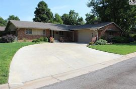 212 W 8th Ave Buhler, KS 67522,