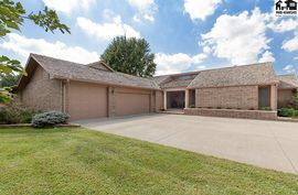 Photo of 2415 Howell Dr Hutchinson, KS 67502