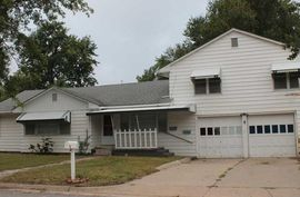Photo of 1801 N Harrison St Hutchinson, KS 67502