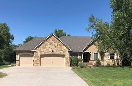 Photo of 4300 Spyglass Dr Hutchinson, KS 67502