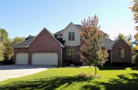 Photo of 3900 Boxwood Ct Hutchinson, KS 67502