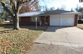 Photo of 17 James Way South Hutchinson, KS 67505