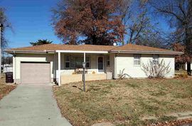 208 E Maple St Canton, KS 67428,
