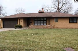 Photo of 210 W 26th Ave Hutchinson, KS 67502