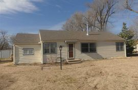 2309 N Apple Ln Hutchinson, KS 67502,