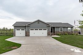 537 S Foxfire St McPherson, KS 67460,