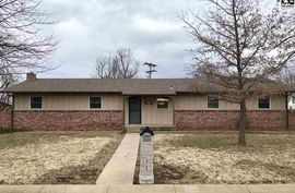 Photo of 617 Arnold Dr Lyons, KS 67554