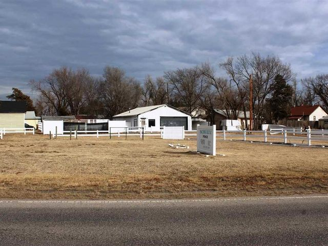 Photo of 1102 W Nickerson Blvd Hutchinson, KS 67501