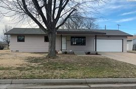227 S Maple St South Hutchinson, KS 67505,