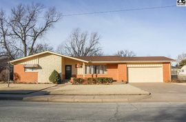 Photo of 415 Belmont Rd Pratt, KS 67124