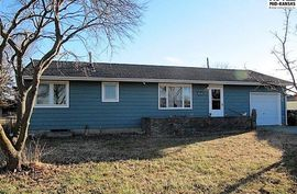Photo of 19 E Detroit Dr South Hutchinson, KS 67505