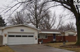 Photo of 103 Eastmoor Dr McPherson, KS 67460