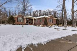 Photo of 3904 Boxwood Ct Hutchinson, KS 67502