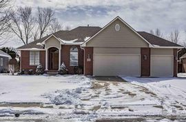 1103 Barberry Dr Hutchinson, KS 67502,