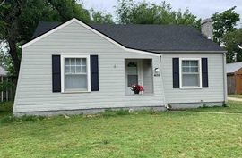 Photo of 403 E 14th Ave Hutchinson, KS 67501