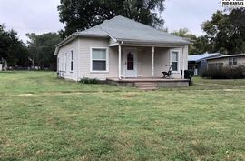 303 S Cheney St Nickerson, KS 67561,