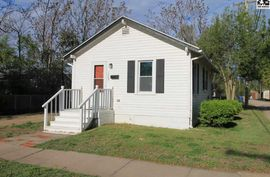 Photo of 1305 N Madison St Hutchinson, KS 67501