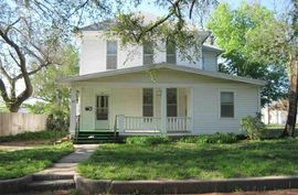 Photo of 321 E 5th Ave Hutchinson, KS 67501
