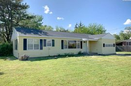 Photo of 2517 N Waldron St Hutchinson, KS 67502