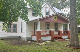 522 E Main St Sterling, KS 67579-2143,