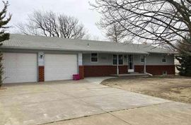 506 S Walnut St Inman, KS 67546,