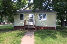 402 Oak St Chase, KS 67524-9461,