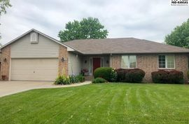 Photo of 1117 Barberry Dr Hutchinson, KS 67502