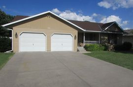 1516 Trail West St McPherson, KS 67460,