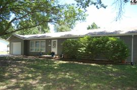 1315 Glendale Rd McPherson, KS 67460,