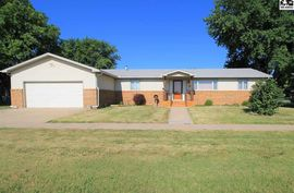 409 N 1st St Sterling, KS 67579,