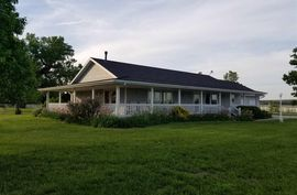 Photo of 372 Wells Fargo Rd Marquette, KS 67464