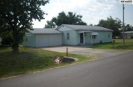 306 S Elm St South Hutchinson, KS 67505,